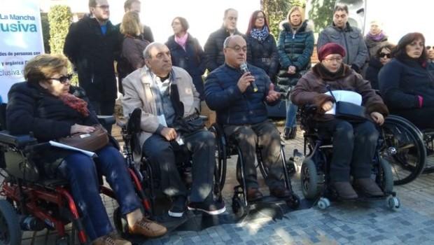 CLM Inclusiva propone a los medios de comunicación incorporar el lenguaje inclusivo con las personas con discapacidad. https://www.lacomarcadepuertollano.com/diario/noticia/2018_12_03/06