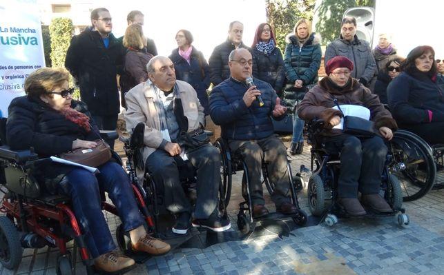 Concentracion-Arrestopolis-Albacete-Lourdes-Cifuentes_EDIIMA20181128_0634_19