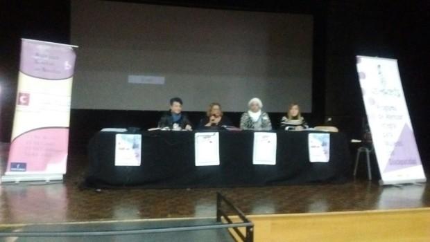 Mesa redonda: Ejemplos de Mujeres Empoderadas en diferentes ámbitos sociales y laborales. Participantes de la jornada.